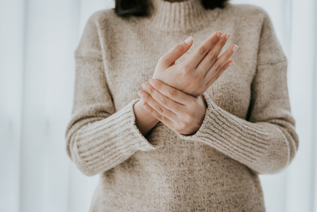 woman with wrist or hand pain